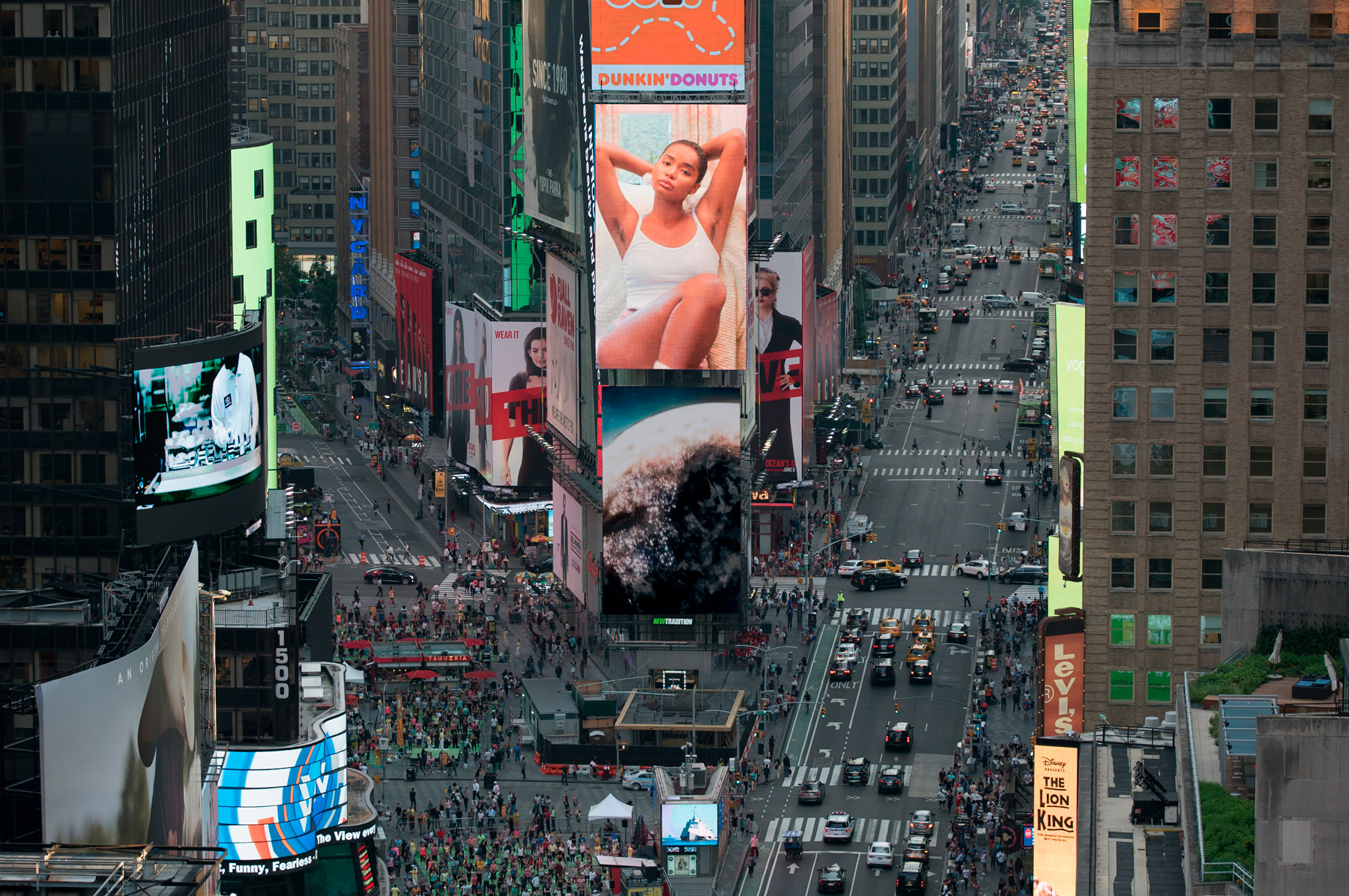 Billie_TimesSquare